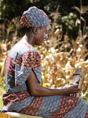 Patience Chaitezvi Playing Mbira 2008, photo by Endiby Makope