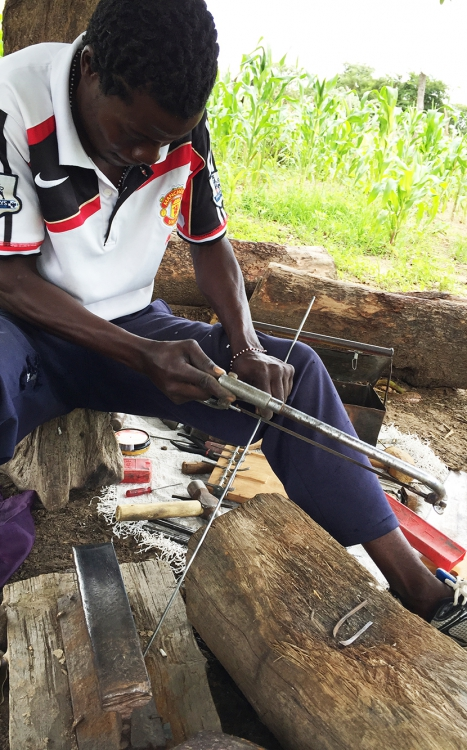 Romeo Mhondiwa cutting rod