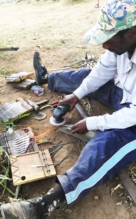 mbira.org-Chirikure-at-Work-5